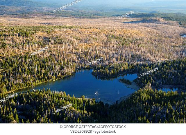 Little Three Creek Lake from Tam McArthur Rim Trail, Three Sisters Wilderness, Deschutes National Forest, Oregon