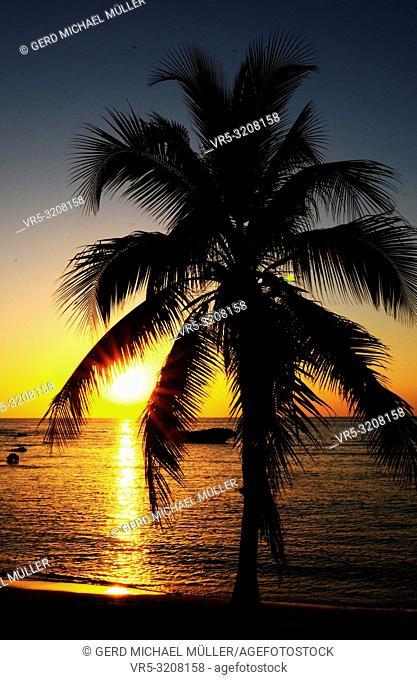 Cuba: Sunset at the beach of Trinidad City