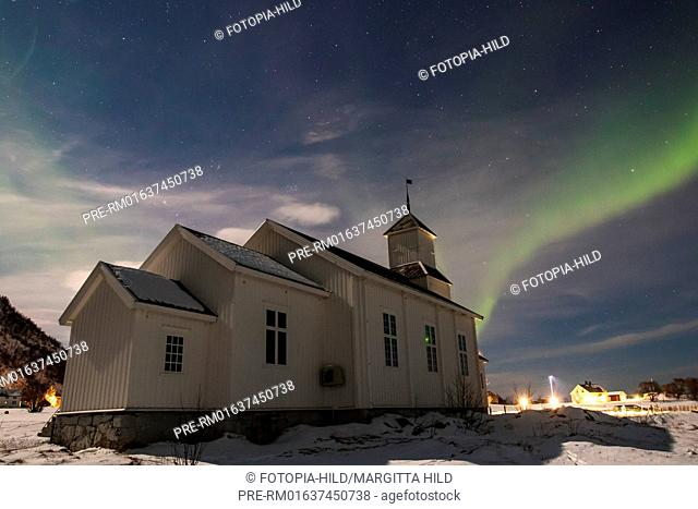 Aurora Borealis at Gimsøy kirke, Vågan, Lofoten, Nordland, Norway, March 2017 / Aurora borealis über der Gimsøy kirke, Vågan, Lofoten, Nordland, Norwegen