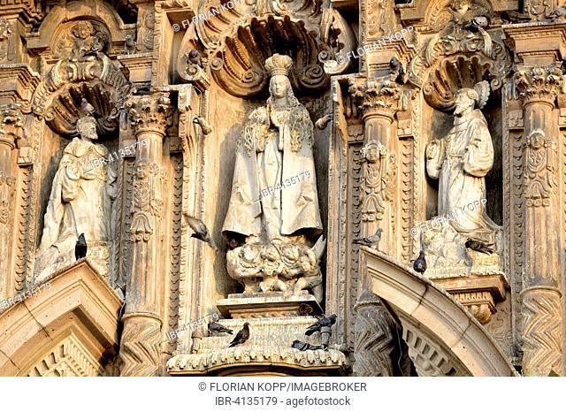 Statues on the facade of the church Iglesia de San Francisco, UNESCO World Heritage Site, Lima, Peru