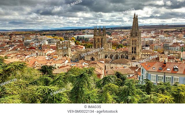Spain, Castile and Leon, Burgos, Cityscape with Cathedral