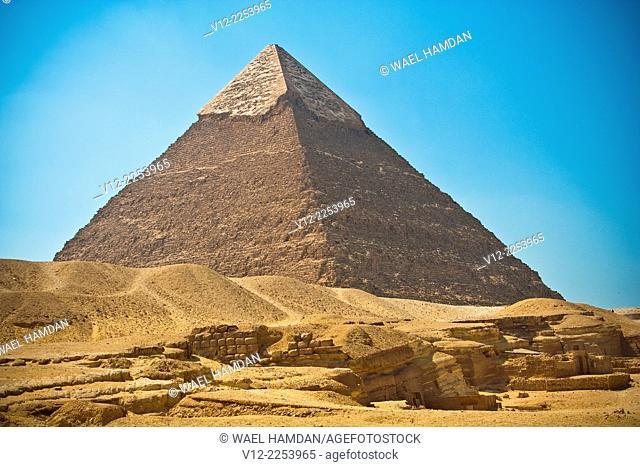 Pyramid of Khafre, also known as Pyramid of Chephren, Giza, Cairo, Egypt