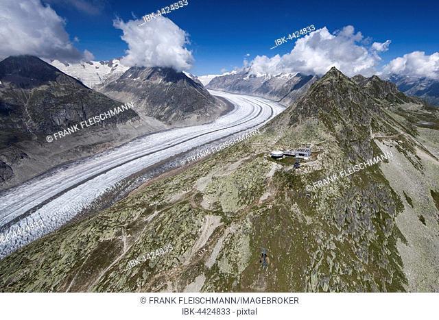 Aerial photograph, upper station, Bettmerhornseilbahn with panoramic restaurant on Bettmerhorn and Aletsch Glacier, valley glacier with moraine