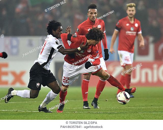 Mainz' Andre Ramalho (r) and Gabala's Theo Weeks in action during the Europa League group phase soccer match between FSVMainz 05 and Gabala FK at the Opel...