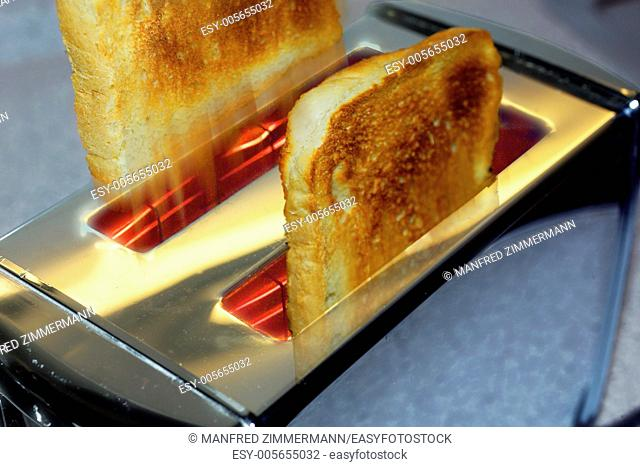 Jump roasted bread slices from the toaster
