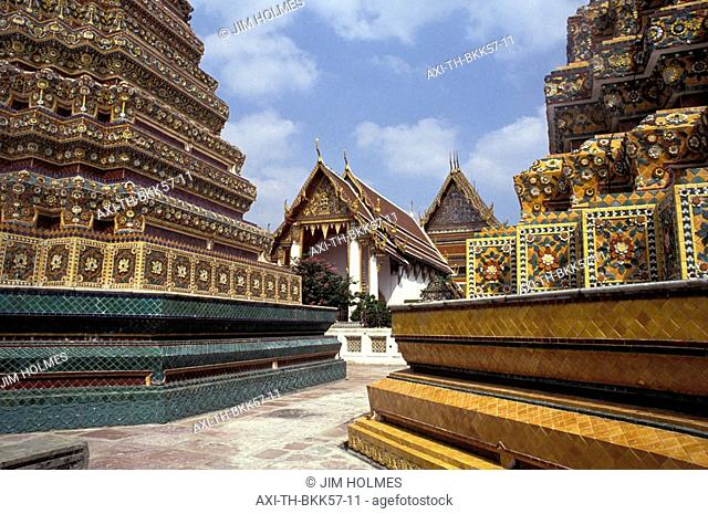 Colorful stupas at Wat Pho