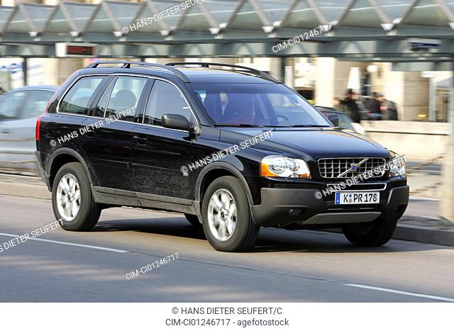 Car, Volvo XC 90 V8, model year 2004-, black, cross country vehicle, driving, diagonal from the front, frontal view, side view, City