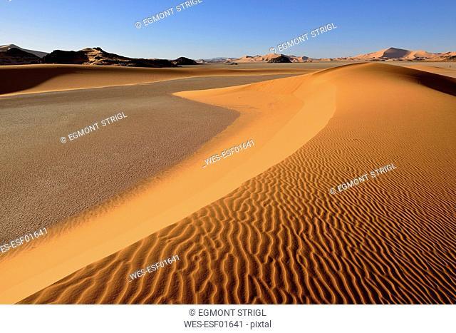 Africa, Algeria, Illizi Province, Sahara desert, Tassili n'Ajjer National Park, Tadrart, sand dunes of In Djerane