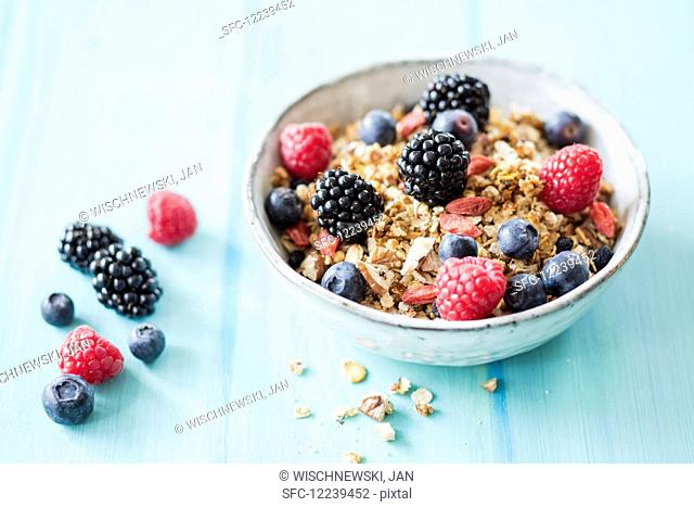 Granola with lupine flakes and aronia berries