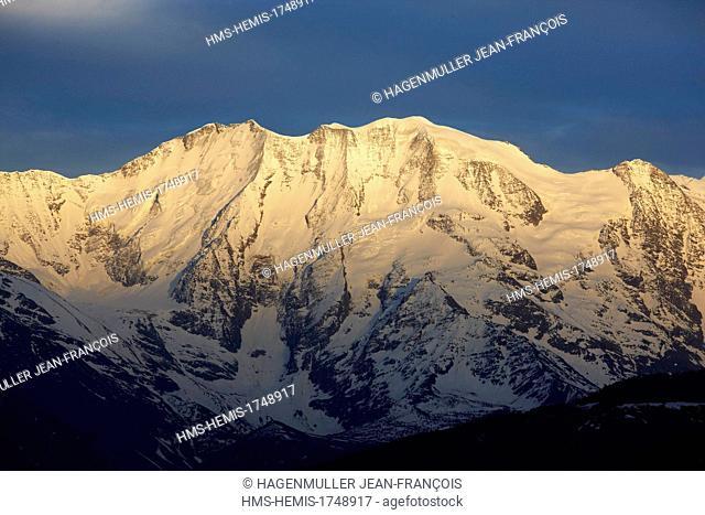 France, Haute Savoie, Chamonix Mont Blanc, domes de Miage (3674m) at sunrise