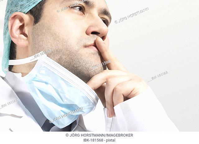 Thinking surgeon