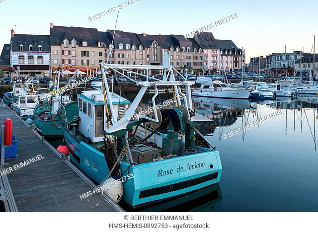France, Cotes d'Armor, Paimpol, harbour and Place du Goelo