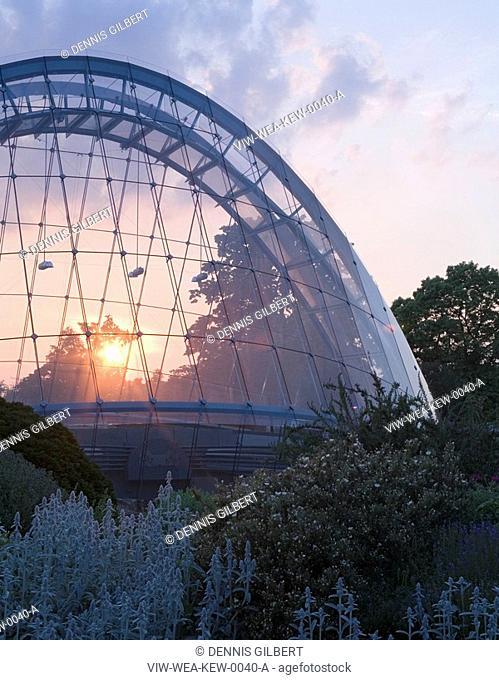 DAVIES ALPINE HOUSE KEW GARDENS, LONDON, UK, WILKINSON EYRE ARCHITECTS, EXTERIOR, SUNSET THROUGH GLASS