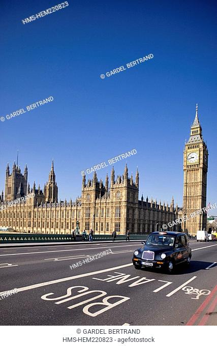 United Kingdom, London, bus in front of Big Ben and the Palace of Westminster