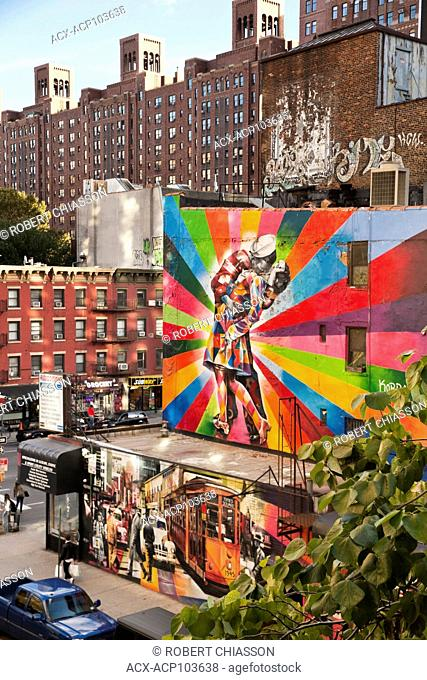 Two murals painted on the walls of an appartment building in the Chelsea neighbourhood of Manhattan. The mural below depicts a vintage Times Square street scene