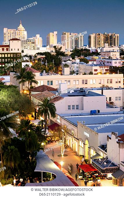 USA, Florida, Miami Beach, Lincoln Road, elevated view, dusk