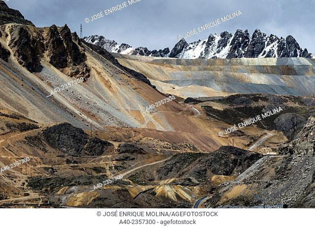Morococha mine Zinc . Andes mountain. Junin department. Perú
