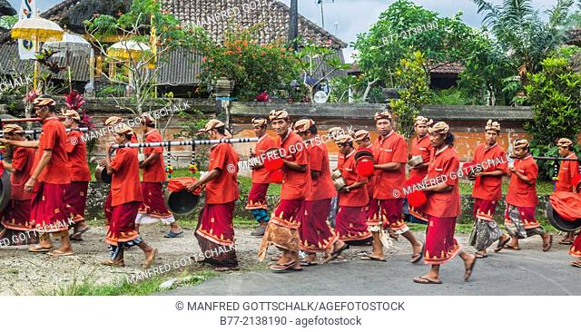 Indonesia, Bali, mobile Gamelan orchestra at a procession in Jatiluwih