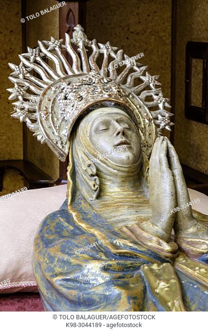 Mare de Déu Morta, virgen yaciente, capilla de la madre de Dios de los Dolores, Iglesia de Sant Miquel,. siglos XVI y XVII ,varios estilos arquitectónicos