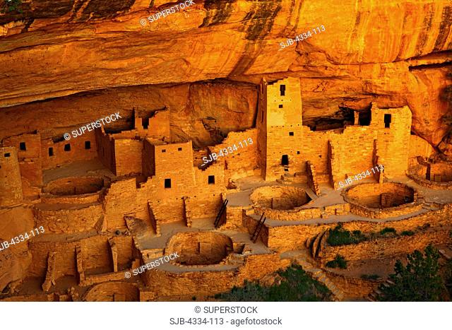 Cliff Palace, a 13th century Anasazi ruin tucked away in a sandstone canyon, at Mesa Verde National Park, Colorado