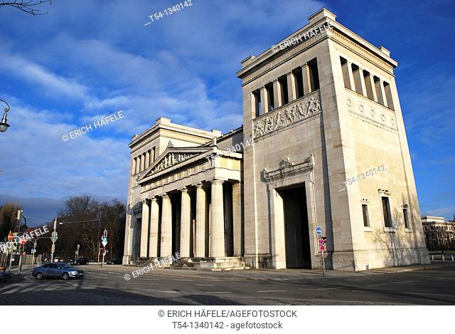The Propylaea, a classical gateway to the Royal Palace, Maxvorstadt, Munich, Upper Bavaria, Bavaria, Germany, Europe
