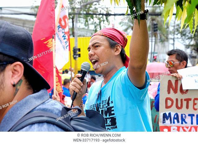 Protestors voice their opinion against Philippine president Rodrigo Duterte in Cebu City Featuring: Filipino protestor Where: Cebu City