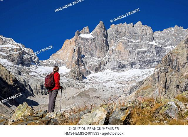 France, Isere, Ecrins National Park, Saint Christophe en Oisans, hike to Chatelleret refuge (alt : 2225m) in the Etançons valley