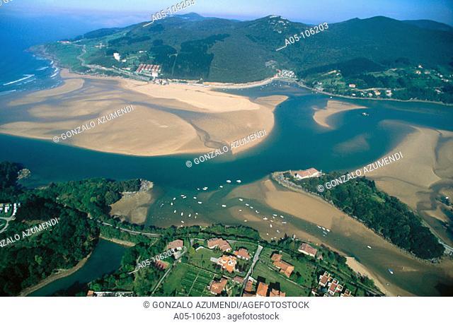 Gernika estuary mouth. Biosphere Reserve of Urdaibai. Vizcaya. Euskadi. Spain