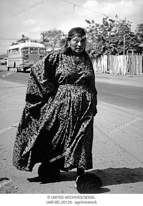 Frau der Guajiro Indianer bei Maracaibo, Venezuela 1970er Jahre. Guajiro woman near Maracaibo, Venezuela 1970s