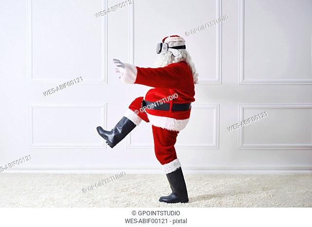Santa Claus using Virtual Reality Glasses