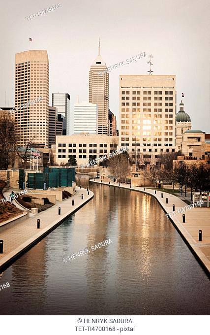 USA, Indiana, Indianapolis, Skyline with river