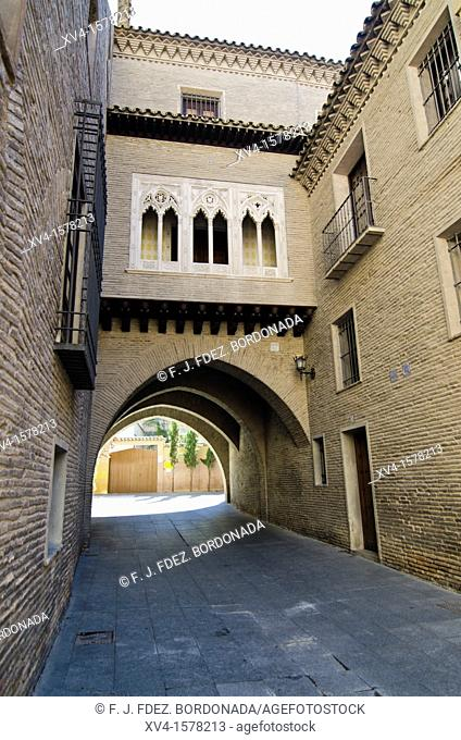 Dean Arch  Mudejar architecture  saragosse  Aragon  Spain