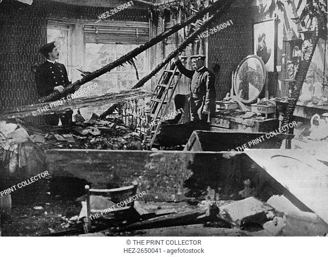 'The interior of one of the wrecked houses in Southend', 1915. Artist: Unknown