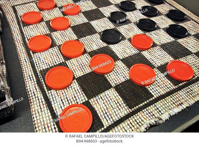 Checkers game. Vinçon, Barcelona, Catalonia, Spain