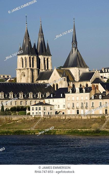 View across the River Loire to the town of Blois, Loir-et-Cher, Pays de la Loire, France, Europe