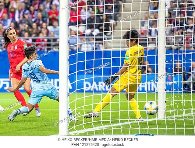 France, Reims, Stade Auguste-Delaune, 11.06.2019, Football - FIFA Women's World Cup - USA - Thailand Photo: vl goal to 5: 0 by Alex Morgan (USA, # 13)