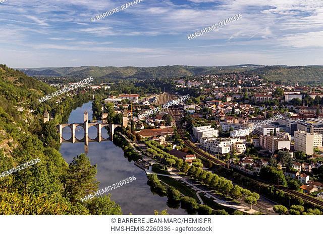France, Lot, Bas-Quercy, Cahors, general view of the city, XIVth century Valentre bridge