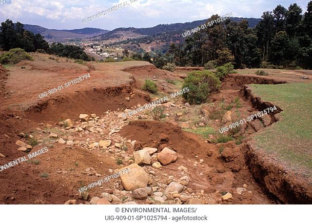 SOIL EROSION, MEXICO. El Jasmin - 100km from Meico City. . Trees are cut down to enlarge farms and the land erodes. Peasants are forced off the land and migrate...