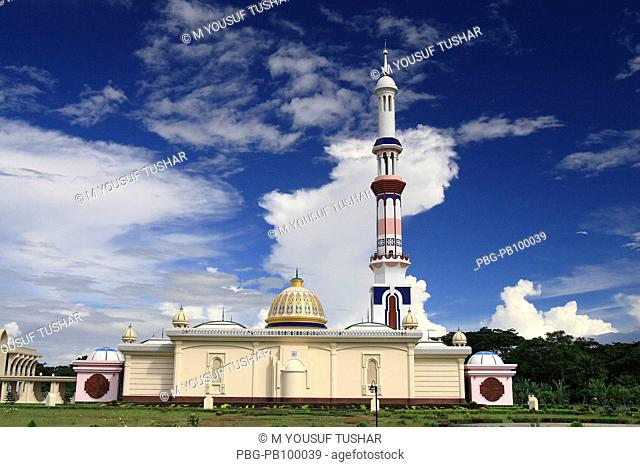 The Baitul Aman Jame Mosque, an example of modern Muslim architecture, about 25 kilometer away from Barishal city It was built in 2004 Barishal