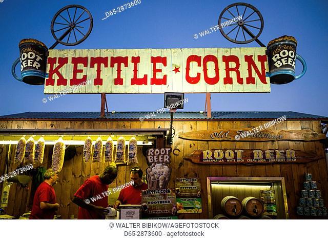USA, Massachusetts, Cape Ann, Gloucester, St. Peter's Fiesta, Italian-Portuguese fishing community festival, Carnival, Kettle Corn stand