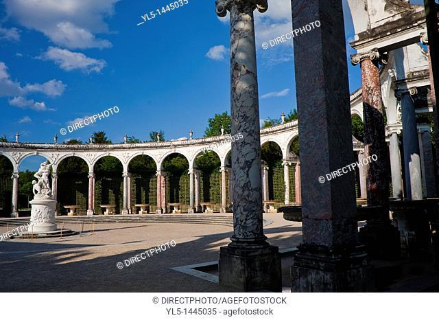 Versailles, France, Urban Park Scenes, Colonnades, Jardin du Chateau de Versailles With Clouds in Sky