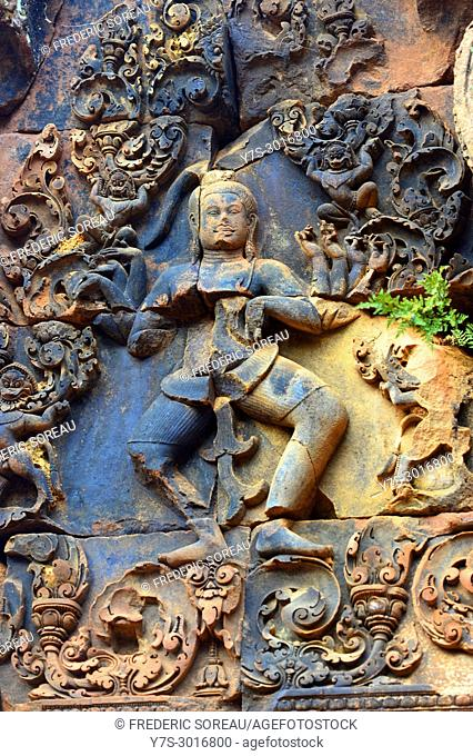 Sculpture on Banteay Srei temple, Angkor Wat, Cambodia, South East Asia, Asia