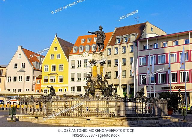 Augustusbrunnen, Augustus Fountain in Rathausplatz, Town Hall Square, Augsburg, Romantische Strasse, Romantic Road, Swabia, Bavaria, Germany