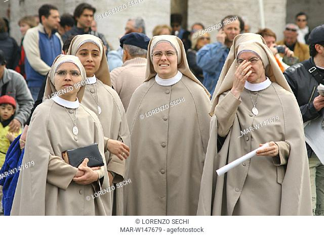 italy, rome, april 2nd 2005, the death of the pope john paul II, faithfuls