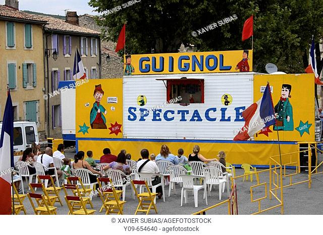 Puppet show. Cereste, Alpes de Haute-Provence, Frace