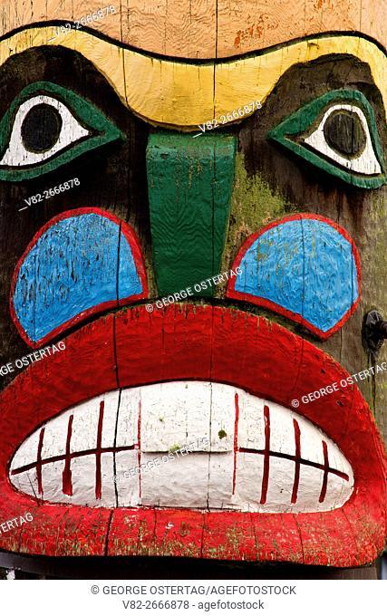 Totem pole face, Milwaukie, Oregon