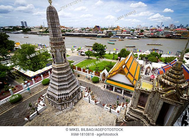 Prang  Wat Arun Rajwararam or Temple of the Dawn  Bangkok, Thailand