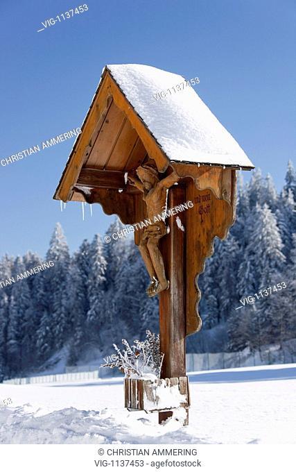 AUSTRIA, HÖRBRANZ, 23.02.2009, wayside shrine in winter - Hörbranz, Vorarlberg, AUSTRIA, 23/02/2009