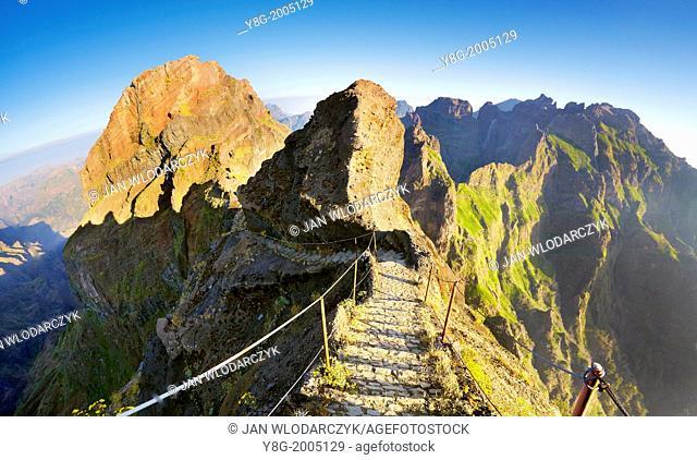 Mountain hiking trail from Pico do Aeeiro to Pico Ruivo, Madeira, Portugal