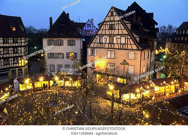 Christmas market, Former customs House square, Colmar, Haut-Rhin department, Alsace region, north-eastern France, Europe